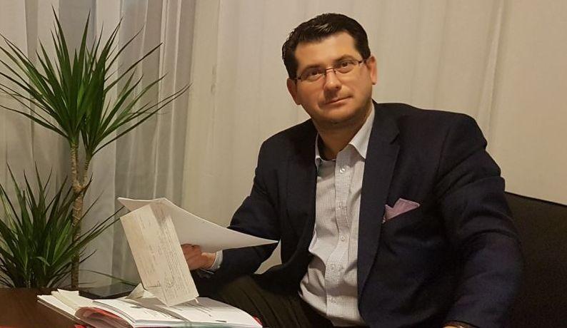Florin Kovacs, avocatul care îi ajută pe avertizorii de integritate să nu fluiere a pagubă